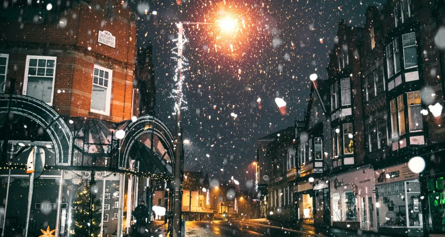 Street picture while snowing